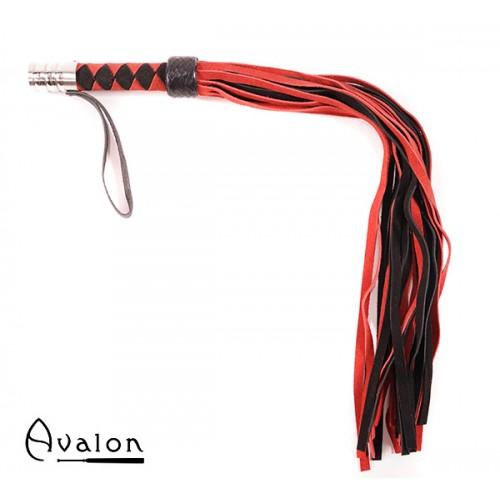 Avalon - ARRAN - Rød og Svart Lærflogger med Metall på Håndtaket